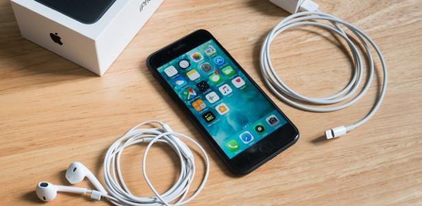 Il governo invia il TAC ad Apple e Samsung tramite il caricatore del telefono cellulare
