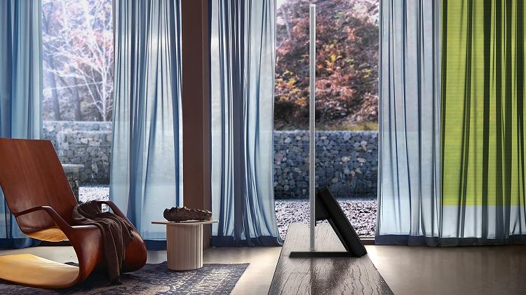 Samsung Crystal Liquid TV QN800;  Spessore dispositivo 1,5 cm - Comunicato stampa - Comunicato stampa