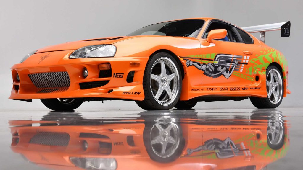 https://cdn.motor1.com/images/mgl/gYBR7/s6/the-fast-and-the-furious-toyota-supra-auction-three-quarters-low-angle.jpg