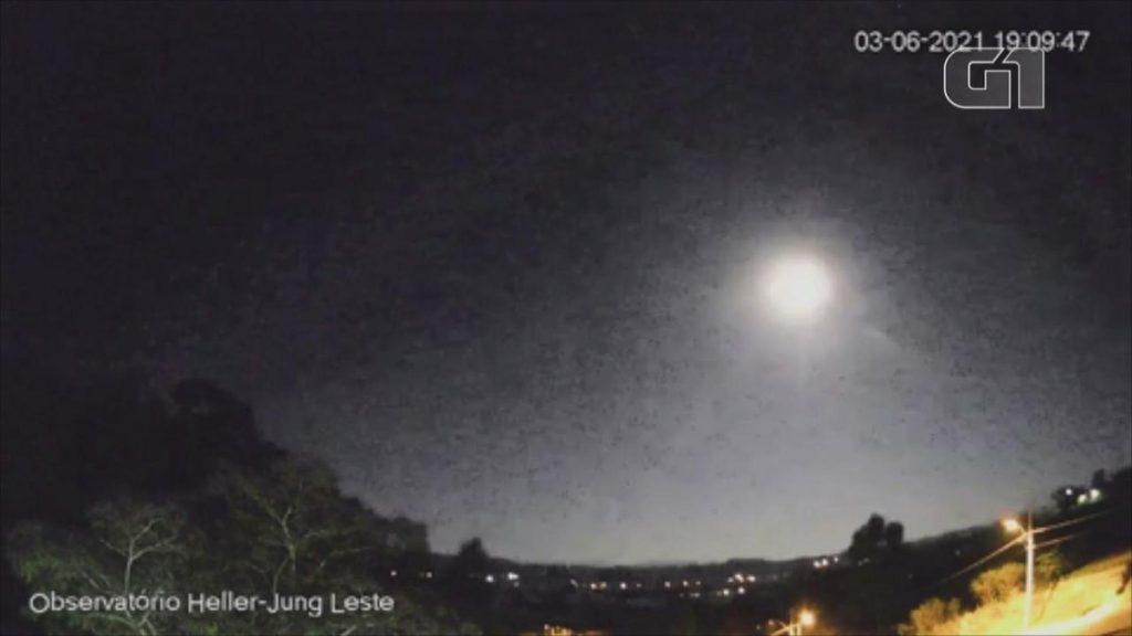 Una meteora grande quanto una pallacanestro e un bagliore di luna piena illuminano il cielo a RS;  Guarda il video    Rio Grande do Sul