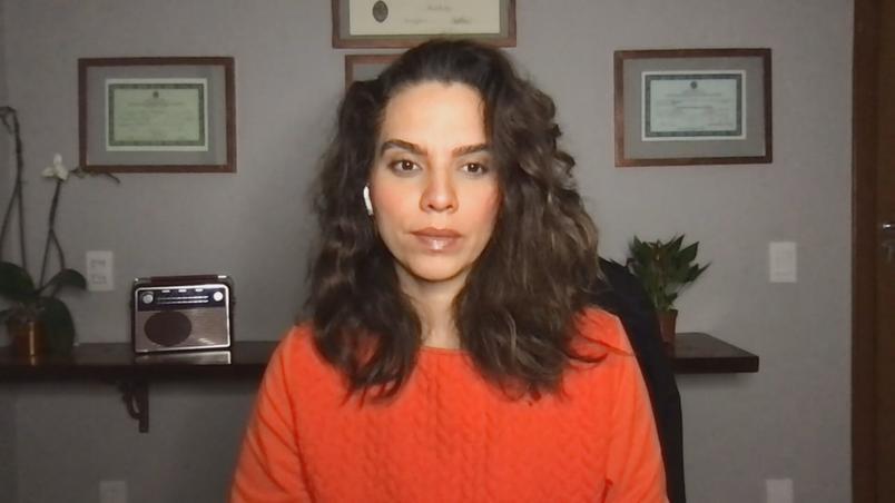 Luana Araujo, MD, un medico delle malattie infettive, ha parlato con la CNN della variante delta